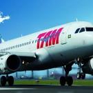 O Airbus A319 da TAM decola em novo trajeto