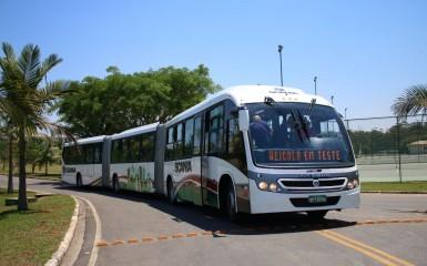 Biarticulado da Scania lançado no México
