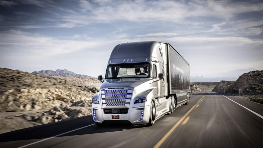 Caminhão que roda sem a constante interferência humana