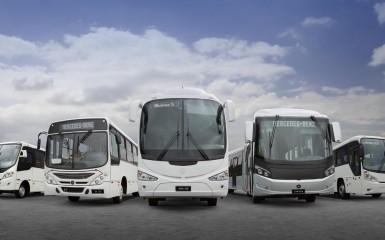Cinco ônibus da linha Mercedes-Benz