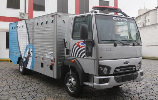 Ford Cargo 816-Penitenciária-3